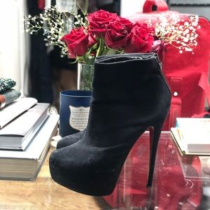 Shoes - Booties with red sole